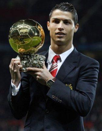 Cristiano Ronaldo Mas Cerca Del Bal  N De Oro