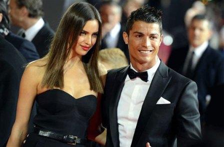 irina shayk junto a cristiano ronaldo en la gala del balon de oro 2012.