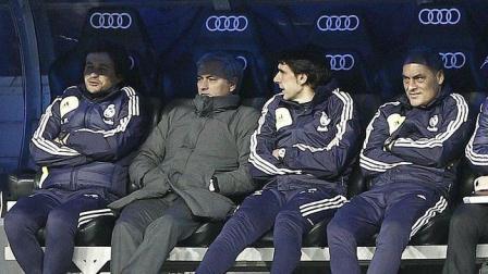 Mourinho abucheado por la afición madridista