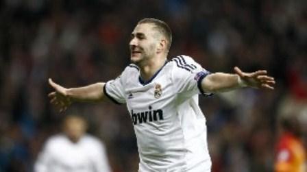 benzema celebra el segundo gol