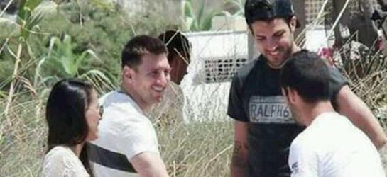 Messi y Cesc Fábregas se encuentran con el madridista Isco en Ibiza